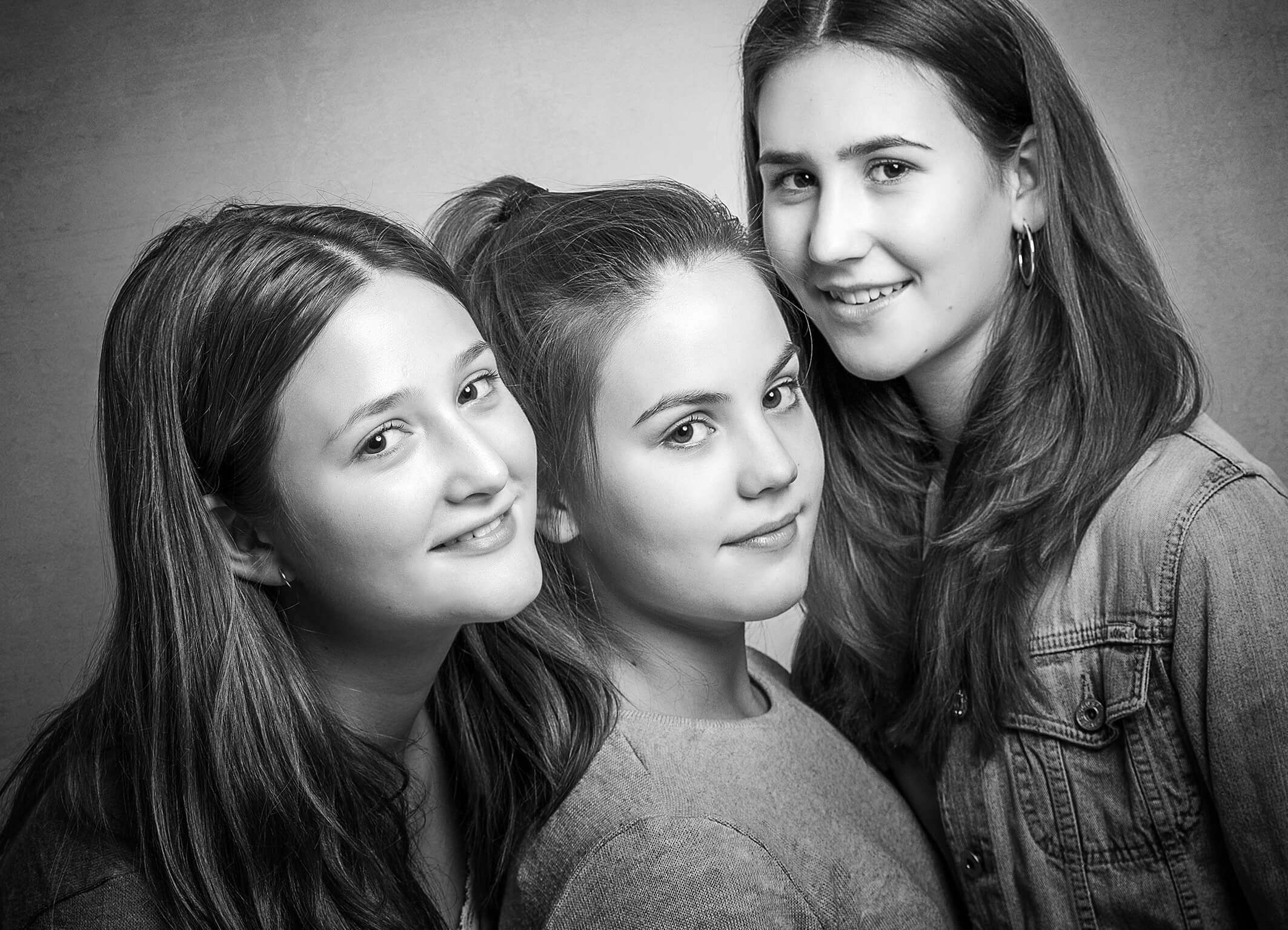 Familienfoto Portraitbilder im Fotostudio und in der Natur