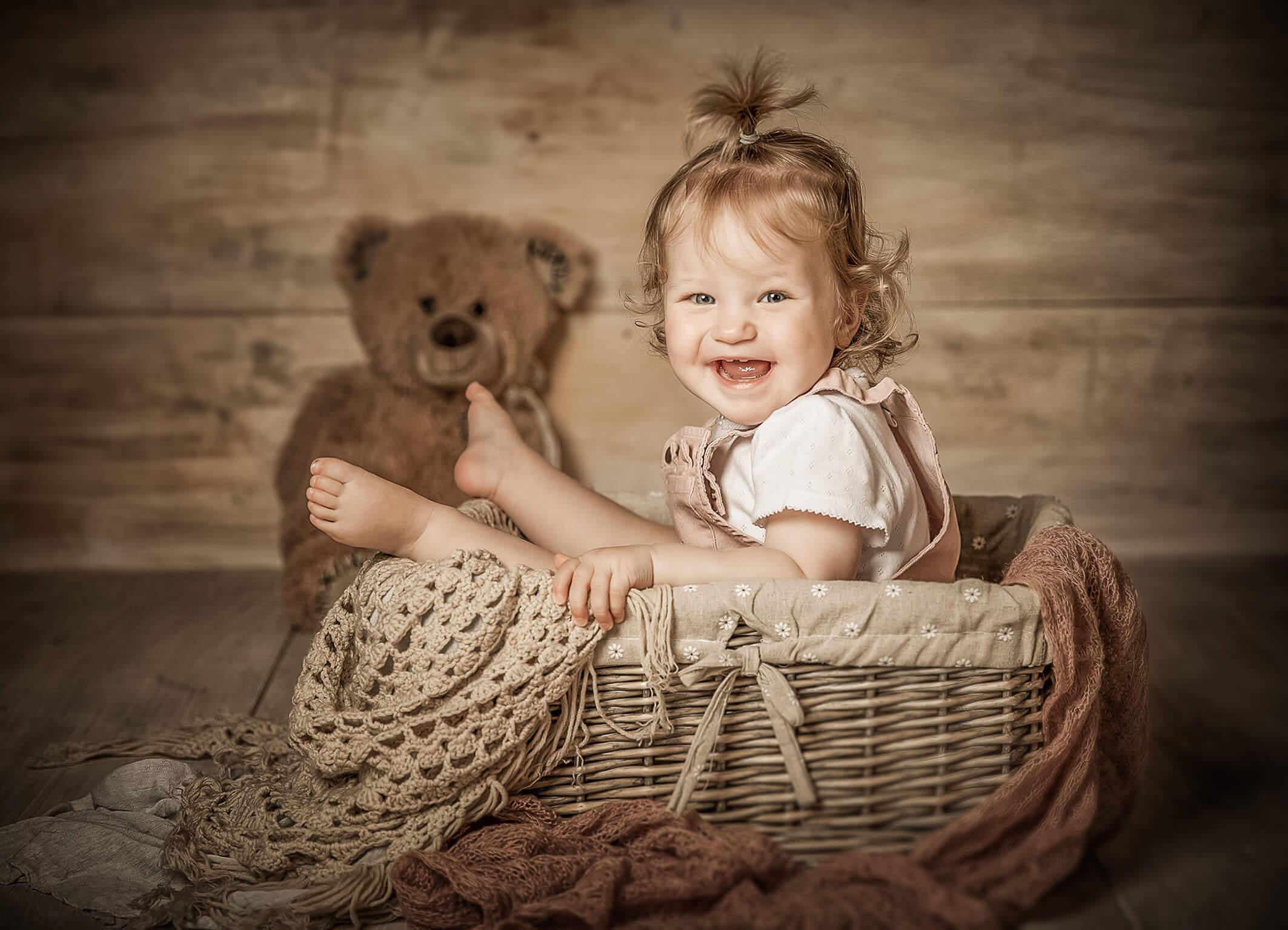 Babyfotos im Vintagestil